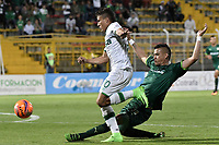 BOGOTÁ -COLOMBIA, 29-04-2017: Oliver Fula (Der) de La Equidad disputa el balón con Andres Felipe Roa (Izq) de Deportivo Cali durante partido por la fecha 15 de la Liga Águila I 2017 jugado en el estadio Metropolitano de Techo de la ciudad de Bogotá. / Oliver Fula (R) player of La Equidad fights for the ball with Andres Felipe Roa (L) player of Deportivo Cali during the match for the date 15 of the Aguila League I 2017 played at Metropolitano de Techo stadium in Bogotá city. Photo: VizzorImage/ Gabriel Aponte / Staff