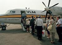 Juli 1994. Luchthaven van Deurne. Vliegtuig VLM.