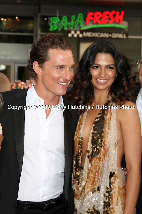 """Matthew McConaughey & Camila Alves  arrivng at the """"Ghosts of Girlfriends Past"""" Premiere at Grauman's Chinese Theater in Los Angeles, CA on April 27, 2009.©2009 Kathy Hutchins / Hutchins Photo....                ."""