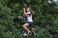 FIERLJEPPEN: JOURE: Accommodatie Koarte Ekers, Fierljepvereniging De Lege Wâlden Joure, 23-06-2012, 1e Klas wedstrijd, Dames A, Klaske Nauta, ©foto Martin de Jong