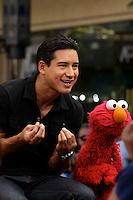 Mario Lopez & ELMO ,Promoting Elmo's new book, West Hollywood, CA Sept. 20, 2012<br /> (Copyright: ©The Media Circuit/NortePhoto)<br /> <br /> **Solo*venta*en*Mexico*<br /> <br /> **CREDITO*OBLIGATORIO** *No*Venta*A*Terceros*<br /> *No*Sale*So*third*...