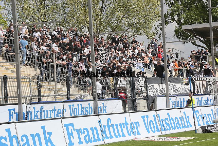 Fans aus Sandhausen - FSV Frankfurt vs. SV Sandhausen, Frankfurter Volksbank Stadion