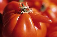 Europe/France/Provence-Alpes-Côtes d'Azur/06/Alpes-Maritimes/Cannes : Le marché Forville - Détail d'un étal de tomates coeur de boeuf