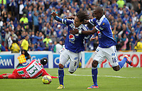 BOGOTA - COLOMBIA- 05 -05-2013: Rafael Robayo  jugador de Millonarios  celebra su segundo gol  contra    Patriotas de Boyacá  partido en el estadio El Campín de la ciudad de Bogotá, mayo 5  de 2013. partido por la  fecha catorce  de la Liga Postobon I. (Foto: VizzorImage / Felipe Caicedo / Staff).   Rafael Robayo  Millonarios player celebrates his second  goal against Boyacá Patriots game at El Campin in Bogota, May 5, 2013. fourteen date match the I League Europa League. .  (Foto: VizzorImage / Felipe Caicedo / Staff).