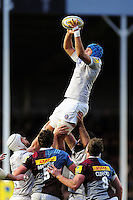 Zach Mercer of Bath Rugby wins the ball at a lineout. Aviva Premiership match, between Harlequins and Bath Rugby on November 27, 2016 at the Twickenham Stoop in London, England. Photo by: Patrick Khachfe / Onside Images