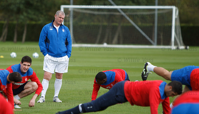 Ian Durrant keeping an eye on his squad