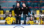 Stockholm 2014-11-16 Ishockey Hockeyallsvenskan AIK - IF Bj&ouml;rkl&ouml;ven :  <br /> AIK:s tr&auml;nare huvudtr&auml;nare Peter Nordstr&ouml;m diskuterar med assisterande tr&auml;nare Michael Nylander under matchen mellan AIK och IF Bj&ouml;rkl&ouml;ven <br /> (Foto: Kenta J&ouml;nsson) Nyckelord:  AIK Gnaget Hockeyallsvenskan Allsvenskan Hovet Johanneshov Isstadion Bj&ouml;rkl&ouml;ven L&ouml;ven IFB tr&auml;nare manager coach diskuterar med