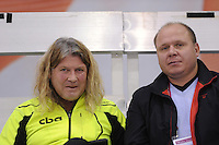 SCHAATSEN: CALGARY: Olympic Oval, 10-11-2013, Essent ISU World Cup, Peter Mueller (trainer/coach Team CBA), Sergey Tsybenko (KAZ), ©foto Martin de Jong