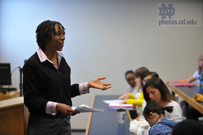 Tonya Bradford teaches class in Debartolo...Photo by Matt Cashore/University of Notre Dame