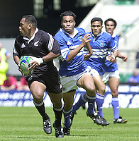 25/05/2002 (Saturday).Sport -Rugby Union - London Sevens.New Zealand vs Samoa.Amasio Valence[Mandatory Credit, Peter Spurier/ Intersport Images].