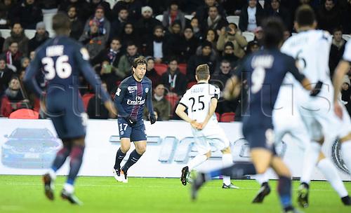 11.01.2017. Paris, France. French league cup football, Paris Saint Germain versus FC Metz.  Maxwell (psg) crosses the ball past the defence of Balliu (metz)