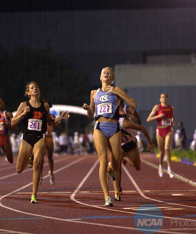 29 MAY 2002: Alice Schmidt (227) of North Carolina wins the Women's 800 Meter race during the Division 1 Men's and Women's Track and Field Championship held at Bernie Moore Stadium on the LSU campus in Baton Rouge, LA. Schmidt won the race with a time of 2:04.73. Stephen Nowland/NCAA Photos