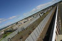 IRLANDA - Irlanda del Nord - contea di Antrim, pressi di Lisburn - Maze prison , Long Kesh per i militanti repubblicani. Nel 1981 vi morirono Bobby Sands e altri militanti dell'IRA in seguito ad uno sciopero della fame Il carcere è stato chiuso nel 2000 e oggi ci sono progetti in corso per la riabilitazione dell'intera area, con possibile costruzione di centri sportivi e culturali IRELAND - Northern Ireland - County Antrim, near Lisburn - Maze Prison, Long Kesh for republican militants. In 1981 there died Bobby Sands and other IRA following a hunger strike. The prison was closed in 2000 and today there are plans for the rehabilitation of the entire area, with the possible construction of sports and cultural centers