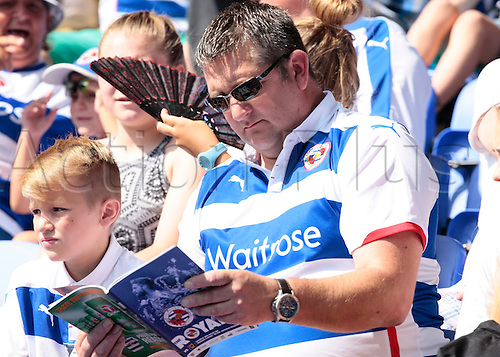 22.08.2015. Reading, England. Skybet Championship. Reading versus MK Dons. A warm day at the Madejski Stadium