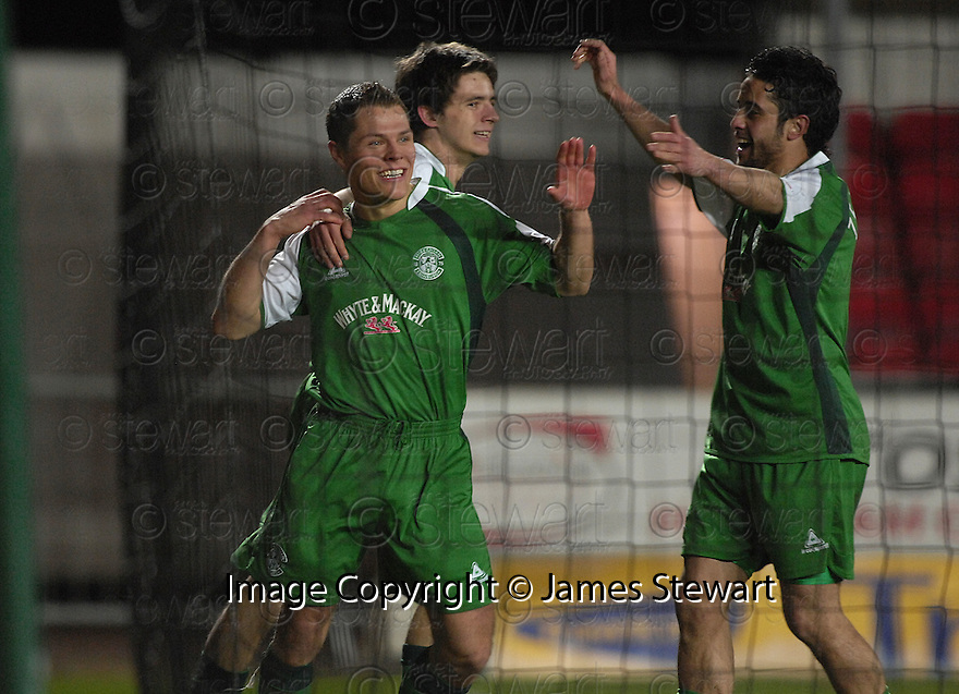 27/02/2008    Copyright Pic: James Stewart.File Name : sct_jspa09_falkirk_v_hibernian.JOHN RANKIN  CELEBRATES SCORING HIBS SECOND.James Stewart Photo Agency 19 Carronlea Drive, Falkirk. FK2 8DN      Vat Reg No. 607 6932 25.Studio      : +44 (0)1324 611191 .Mobile      : +44 (0)7721 416997.E-mail  :  jim@jspa.co.uk.If you require further information then contact Jim Stewart on any of the numbers above........