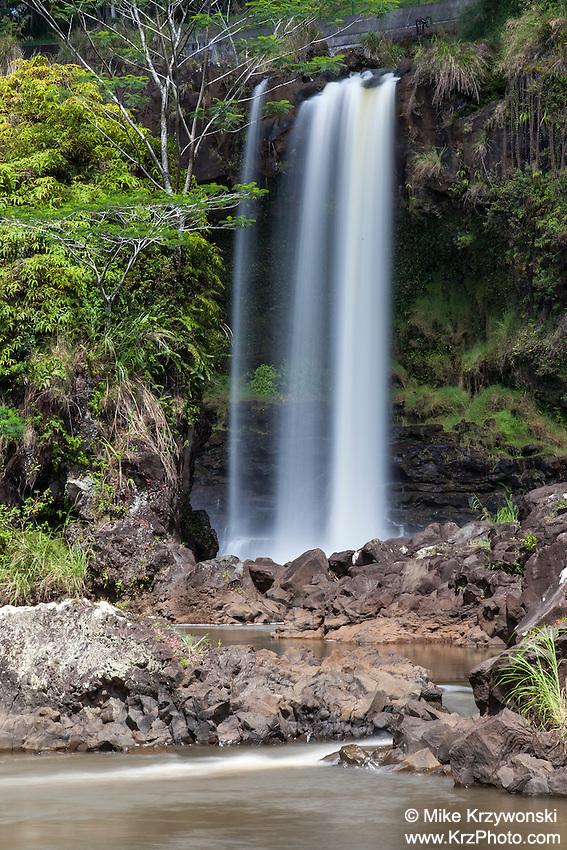 Pe'epe'e Falls waterfall, Hilo, Big Island, Hawaii