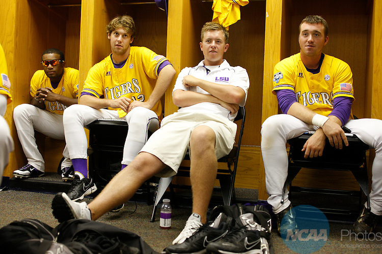 23 JUNE 2009:  Louisiana State University takes on the University of Texas during the Division I Men's Baseball Championship held at Rosenblatt Stadium in Omaha, NE.  Jamie Schwaberow/NCAA Photos
