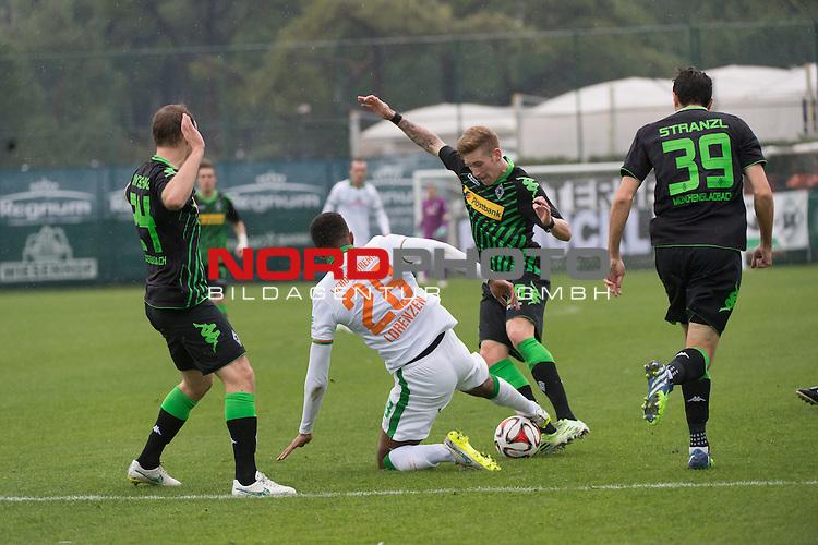 13.01.2015, Regnum Sport Center, Belek, TUR, 1.FBL, FSP Werder Bremen vs Borussia Moenchengladbach , im Bild<br /> <br /> Tony Jantschke (Borussia M&ouml;nchengladbach)<br /> Melvyn Lorenzen (Bremen #28)<br /> Andre Hahn (Borussia M&ouml;nchengladbach)<br /> <br /> Foto &copy; nordphoto / Kokenge