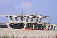 - cantiere per la costruzione del nuovo collegamento autostradale Brescia-Bergamo-Milano ( BreBeMi ) presso Cassano d'Adda<br /> <br /> - yard for the construction of new highway  link Brescia-Bergamo-Milan ( Brebemi ) at Cassano d&igrave;'Adda