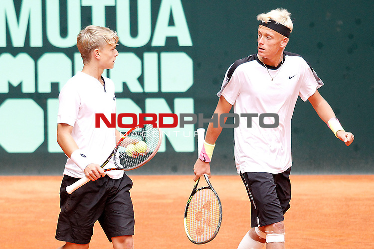 Germany's Marvin Moeller and Nicola Kuhn during Junior Davis Cup 2015 Final match. October 4, 2015.Foto © nph / Acero)