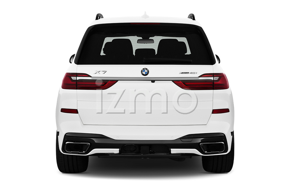 Straight rear view of a 2019 BMW X7 40i 5 Door SUV stock images