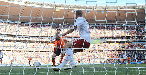 Dutch player Dirk Kuyt (C) is about to score the 2-0 during the 2010 FIFA World Cup group E match between the Netherlands and Denmark at Soccer City stadium in Johannesburg, South Africa, 14 June 2010.