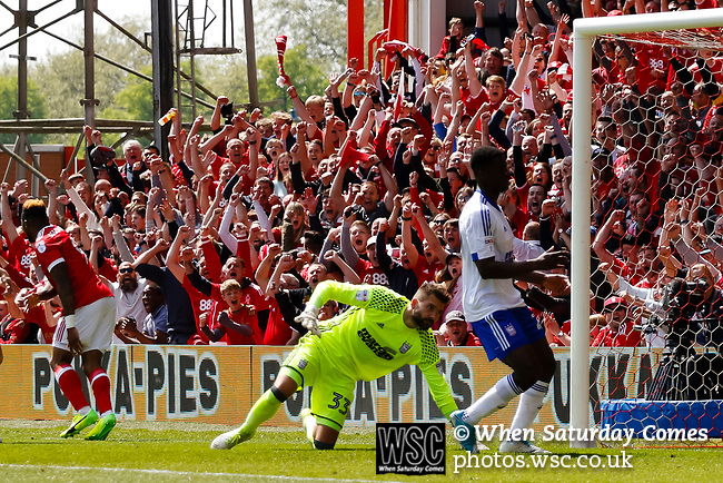 Nottingham Forest 3 Ipswich Town 0, 07/05/2017. City Ground, Championship. Britt Assombalonga of Nottingham Forest scores his second and forest's third goal during the game between Nottingham Forest v Ipswich Town at the City Ground Nottingham in the SkyBet Championship. Photo by Paul Thompson.