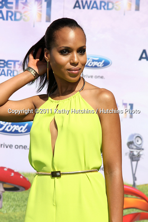 LOS ANGELES - JUN 26:  Kerry Washington arriving at the 11th Annual BET Awards at Shrine Auditorium on June 26, 2004 in Los Angeles, CA