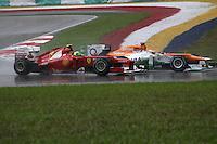 SEPANG, MALASIA, 25 DE MARCO 2012 - F1 - GP MALASIA - <br /> O piloto Paul di Resta )(a frente) da equipe Force India e o pilobrasileiro Felipe Massa da equipe Ferrari,  durante o GP da Malásia, no circuito de Kuala Lumpur, em Sepang, neste domingo, 26. (FOTO: THOMAZ MELZER / PIXATHLON /  BRAZIL PHOTO PRESS).