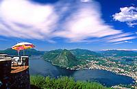 CHE, Schweiz, Tessin, Blick vom Monte Bre auf Lugano am Luganer See | CHE, Switzerland, Ticino, view from Monte Bre across Lago Lugano and Lugano city