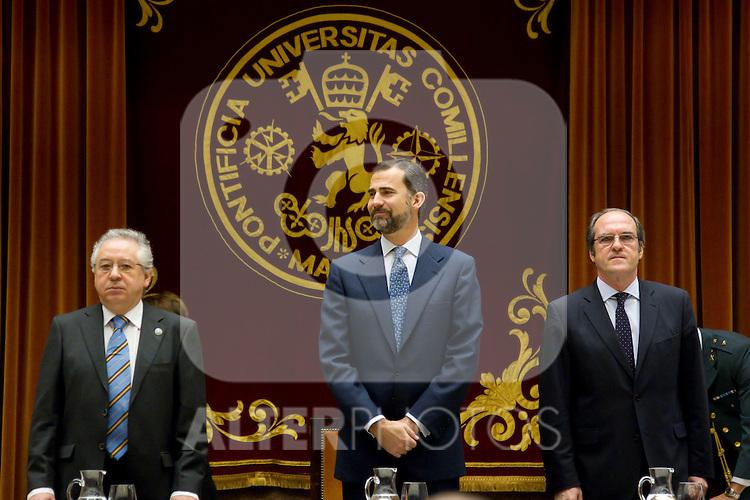 080311.MC.Ppe de Asturias 50 Aniversario ICADE.. Madrid.Felipe Borbon, Angel Gabilondo