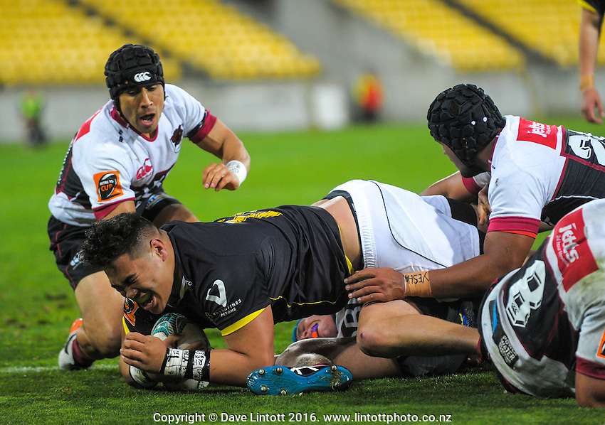 Alex Fidow scores a disallowed try during the Mitre 10 Cup rugby union match between Wellington Lions and North Harbour at Westpac Stadium, Wellington, New Zealand on Saturday, 3 September 2016. Photo: Dave Lintott / lintottphoto.co.nz