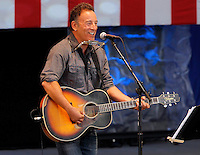 Rock legend Bruce Springsteen sang songs and rallied support for President Barack Obama during a free concert held Tuesday afternoon at the nTelos Wireless Pavilion in Charlottesville, Va.