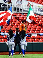 Edecan con la bandera de Mexico y bandera de Cuba<br /> <br /> <br /> Aspectos del segundo d&iacute;a de actividades de la Serie del Caribe con el partido de beisbol  &Aacute;guilas Cibae&ntilde;as de Republica Dominicana contra Caribes de Anzo&aacute;tegui de Venezuela en estadio Panamericano en Guadalajara, M&eacute;xico,  s&aacute;bado 3 feb 2018. (Foto  / Luis Gutierrez)