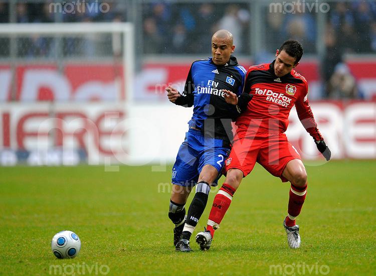 Fussball  1. Bundesliga  Saison 2008/2009    21. Spieltag     Bayer Leverkusen - Hamburger SV   22.02.2009   Alex SILVA (li, Hamburg) im Zweikampf mit Renato AUGUSTO (re, Leverkusen).