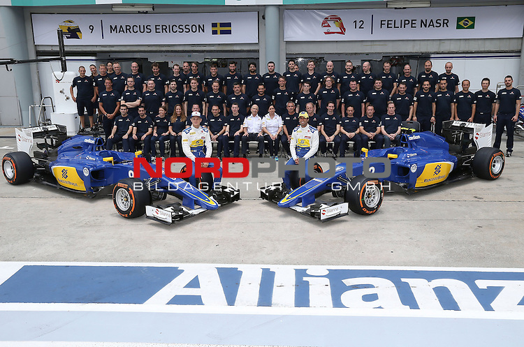 28.03.2011, Sepang-International-Circuit, Malaysia, MAL , Gro&szlig;er Preis von Malaysia / Kuala Lumpur, Training im Bild Sauber F1 Team 2015 - Marcus Ericsson (SWE), Sauber F1 Team - Felipe Nasr (BRA) Sauber F1 Team - Peter Sauber (SUI), Team Chef Sauber F1 Team - Monisha Kaltenborn (AUT), Sauber F1 Team, Managing Director<br /> for the complete Middle East, Austria &amp; Germany Media usage only!<br />  Foto &copy; nph / Mathis