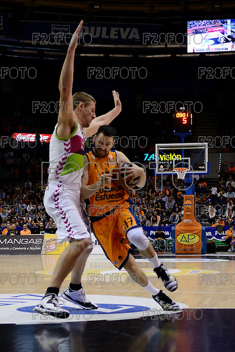 Martínez vs Iverson<br />