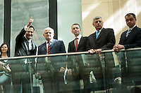 Berlin, Die Delegation des Präsidenten des Parlaments der Republik Kroatien, Josip Leko (2.v.l.) am Freitag (07.06.13) im Bundesrat vor der Abstimmung über den EU-Beitritt von Kroatien. Der Bundesrat stimmte für die Aufnahme Kroatiens als EU-Mitglied. Nach zehnjährigem Aufnahmeverfahren soll das Land am 1. Juli als 28. Mitglied in die EU aufgenommen werden. Foto: Steffi Loos/CommonLens