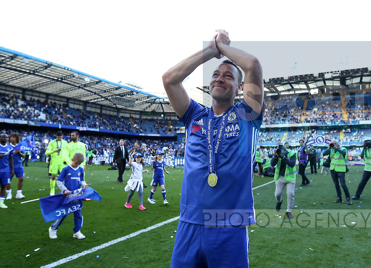 Chelsea's John Terry celebrates during the Premier League match at Stamford Bridge Stadium, London. Picture date: May 18th, 2017. Pic credit should read: David Klein/Sportimage
