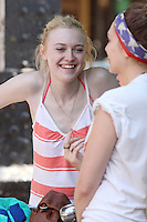 Dakota Fanning and Elizabeth Olsen on the set of &quot;Very Good Girls&quot; in Brooklyn, New York, 12.07.2012...Credit: Rolf Mueller/face to face /MediaPunch Inc. ***FOR USA ONLY*** ***Online Only for USA Weekly Print Magazines*** /*NORTEPHOTO*<br />
