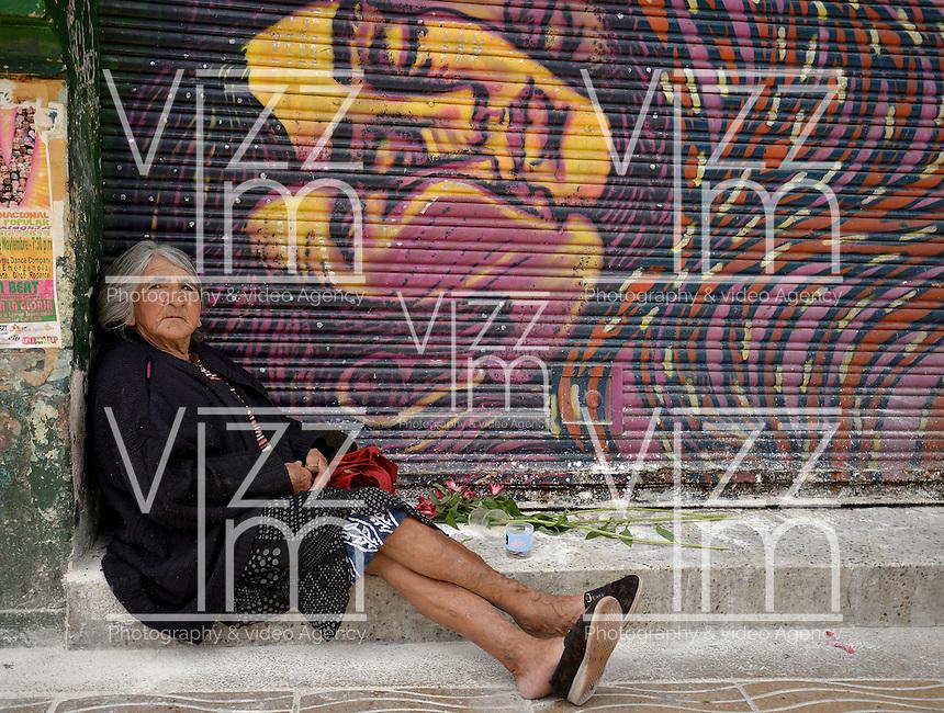 BOGOTÁ -COLOMBIA. 22-11-2013. La Marcha por la Paz y la Democracia se cumplió por las calles de la ciudad de Bogotá y es una iniciativa del movimiento Mujeres por la Paz./  The March for the Peace and Democracy was made on the streets of Bogota and is an initiative of the Women for the Peace movement. Photo: VizzorImage/Gabriel Aponte/ Str