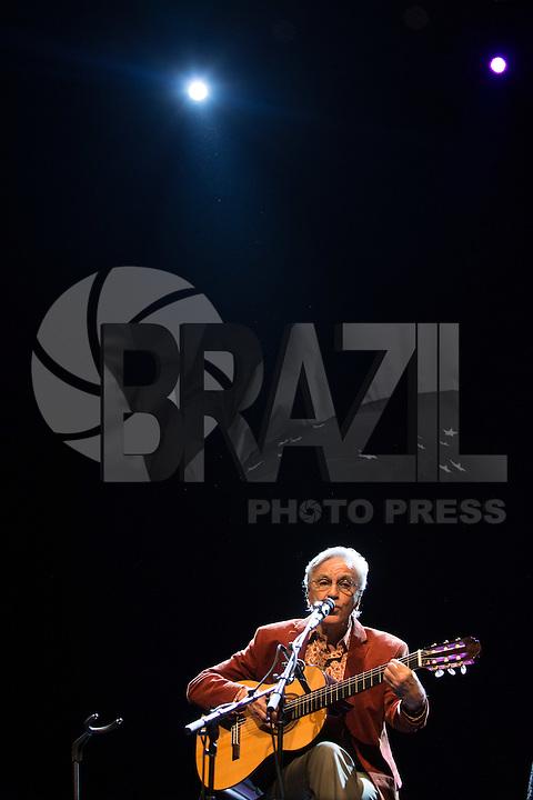 SÃO PAULO, SP, 17.11.2016 -  SHOW-SP - Caetano Veloso durante apresentação da turne Caetano apresenta Teresa, no Espaço das Américas, na noite desta quinta-feira, 17. (Foto: Ciça Neder / Brazil Photo Press)