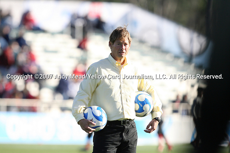 16 December 2007: Wake Forest head coach Jay Vidovich. The Wake Forest University Demon Deacons defeated the Ohio State Buckeyes 2-1 at SAS Stadium in Cary, North Carolina in the NCAA Division I Mens College Cup championship game.