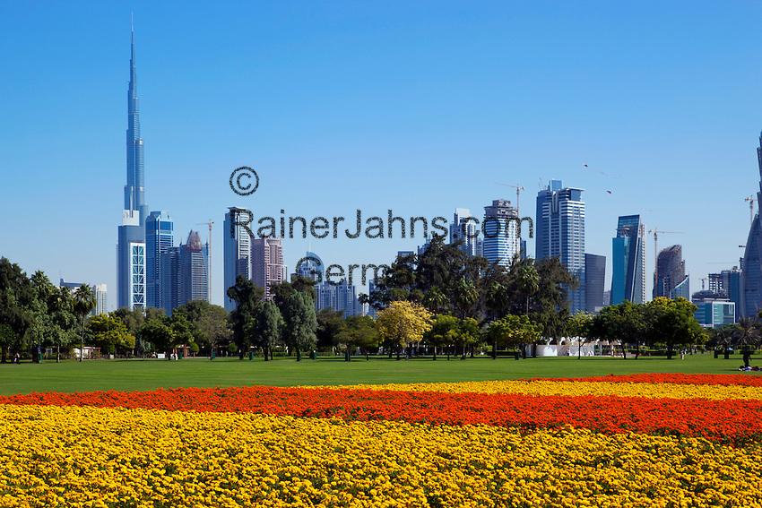 United Arab Emirates, Dubai: View of Burj Khalifa (world's tallest building) and Dubai skyline from Al Safa Park | Vereinigte Arabische Emirate, Dubai: Al Safa Park und Skyline mit dem Burj Khalifa