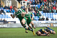 Andrew Fenby of London Irish runs in a try. Aviva Premiership match, between London Irish and Worcester Warriors on February 7, 2016 at the Madejski Stadium in Reading, England. Photo by: Patrick Khachfe / JMP