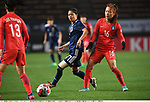 Yui Hasegawa (JPN), Jang Sel-Gi (KOR),<br /> DECEMBER 8, 2017 - Football / Soccer :<br /> EAFF E-1 Football Championship 2017 Women's Final match between Japan 3-2 South Korea at Fukuda Denshi Arena in Chiba, Japan. (Photo by Takamoto Tokuhara/AFLO)