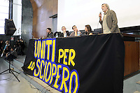 "Roma, 25 Marzo 2011.Università La Sapienza .Il movimento ""uniti contro la crisi"" in assemblea per lo sciopero generale del 6 Maggio..Partecipano centri sociali, movimenti per i beni comuni, Fiom, studenti, movimenti per la pace..Nella foto: Gino Strada di Emergency.Rome, 25 March 2011.University La Sapienza.The movement united against the crisis ""in asseblea for the general strike on May 6..Participants: social centers, movements for the common good, Fiom, students, peace movements."