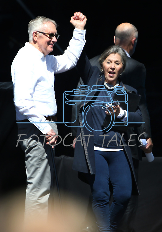 U.S. Sens. Harry Reid and Barbara Boxer wave to the crowd following the 20th annual Tahoe Summit in Stateline, Nev., on Wednesday, Aug. 31, 2016. Pres. Barack Obama was the keynote speaker at the event which focuses attention on protecting Lake Tahoe. Cathleen Allison/Las Vegas Review-Journal
