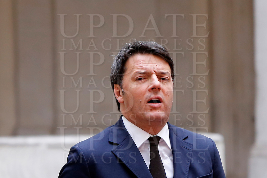Il presidente del consiglio Matteo Renzi accoglie il primo ministro dell'Iraq a Palazzo Chigi, Roma, 10 febbraio 2016.<br /> Italian Premier Matteo Renzi welcomes Iraqi Prime Minister at Chigi palace, Rome, 10 February 2016.<br /> UPDATE IMAGES PRESS/Riccardo De Luca