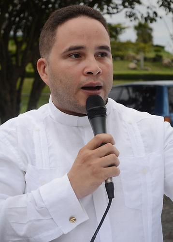 Sacerdote Javier Báez, coordinador de la Pastoral Juvenil